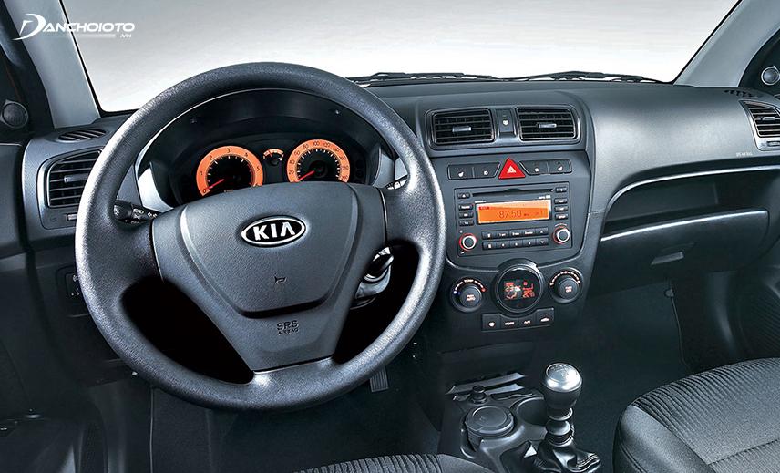 Kia Morning 2007 - 2011 có vô lăng 3 chấu đơn giản