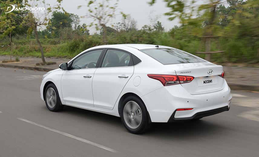 Với hệ thống an toàn hiện đại, người lái Hyundai Accent tự tin hơn nhiều