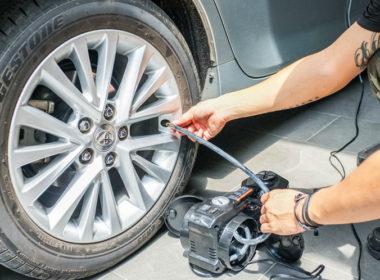 Những lưu ý quan trọng khi bơm lốp xe ô tô