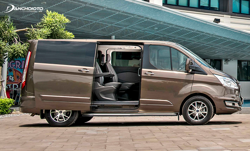 Ford Tourneo 2020 có 7 chỗ theo sơ đồ bố trí ghế 2 - 2 - 3