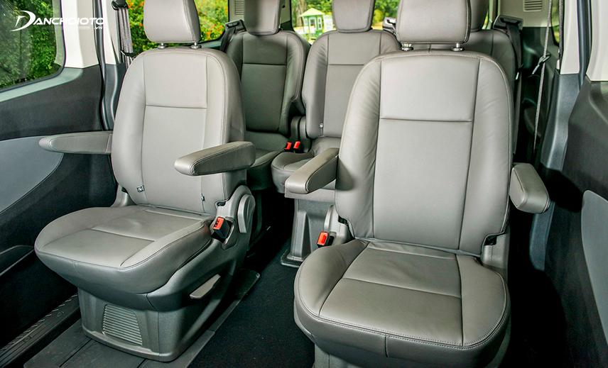 Hàng ghế thứ 2 Ford Tourneo 2020 có thể trượt trong phạm vi đến 200 mm