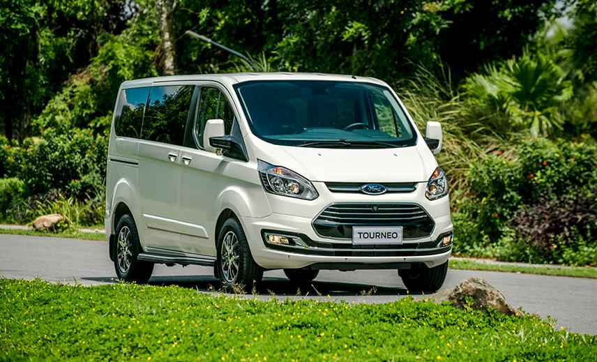Bảng giá xe Ford Tourneo tháng 11/2019 – Đánh giá Ford Tourneo