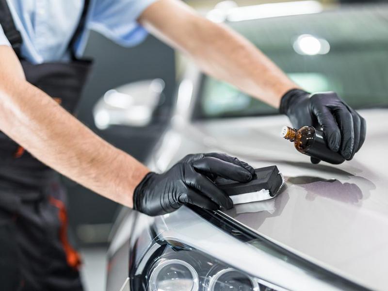 Có nên phủ ceramic cho ô tô không? Giá phủ ceramic bao nhiêu?