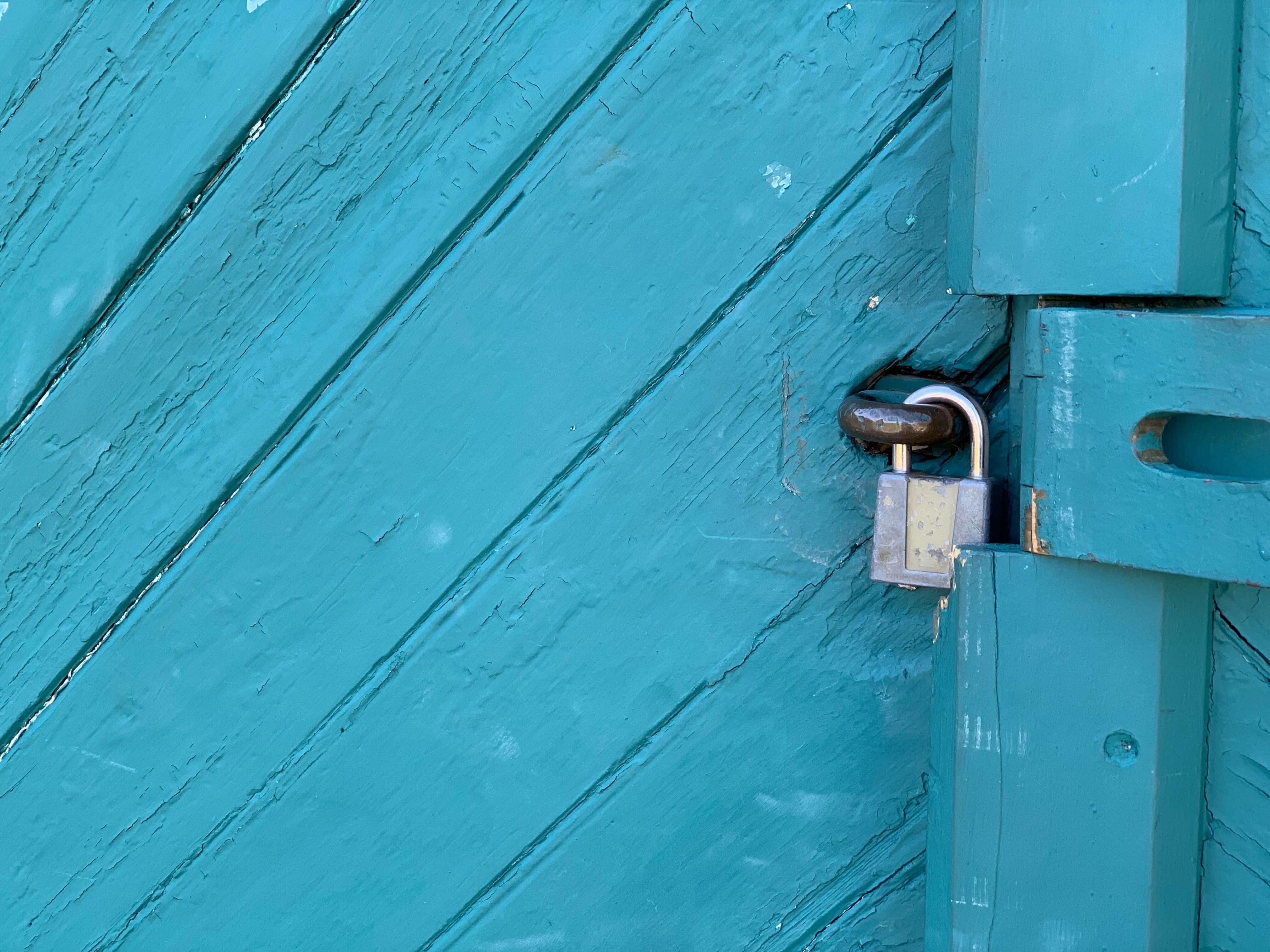 Điều cấm kỵ dịp tết 5: Đóng cửa nhà