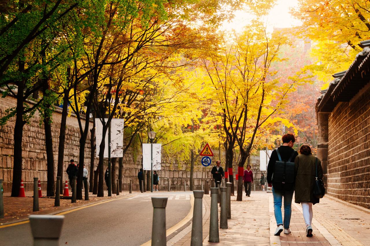 ถนนสายโรแมนติคถ็อกซูกุง เที่ยวกรุงโซล
