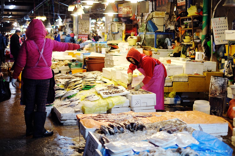 ตลาดปลานอร์ยางจิน