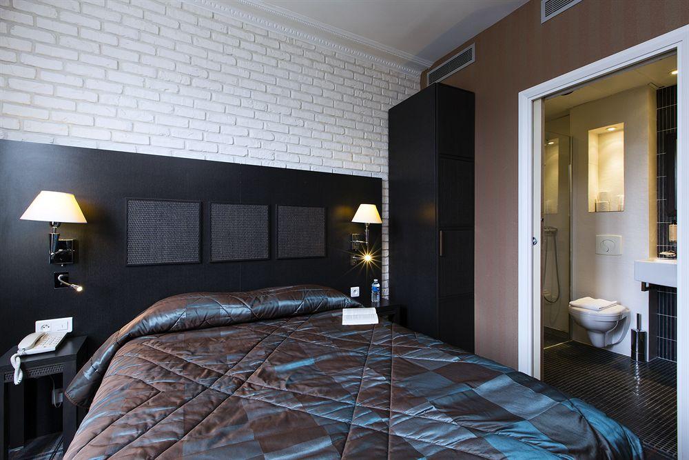 โรงแรม ปารีส Hotel Brittany