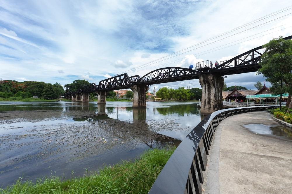 kwai bridge กาญจนบุรี สะพานข้ามแม่น้ำแคว