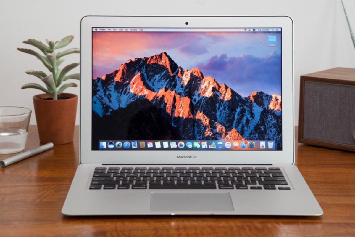 MacBook Air 13 นิ้ว