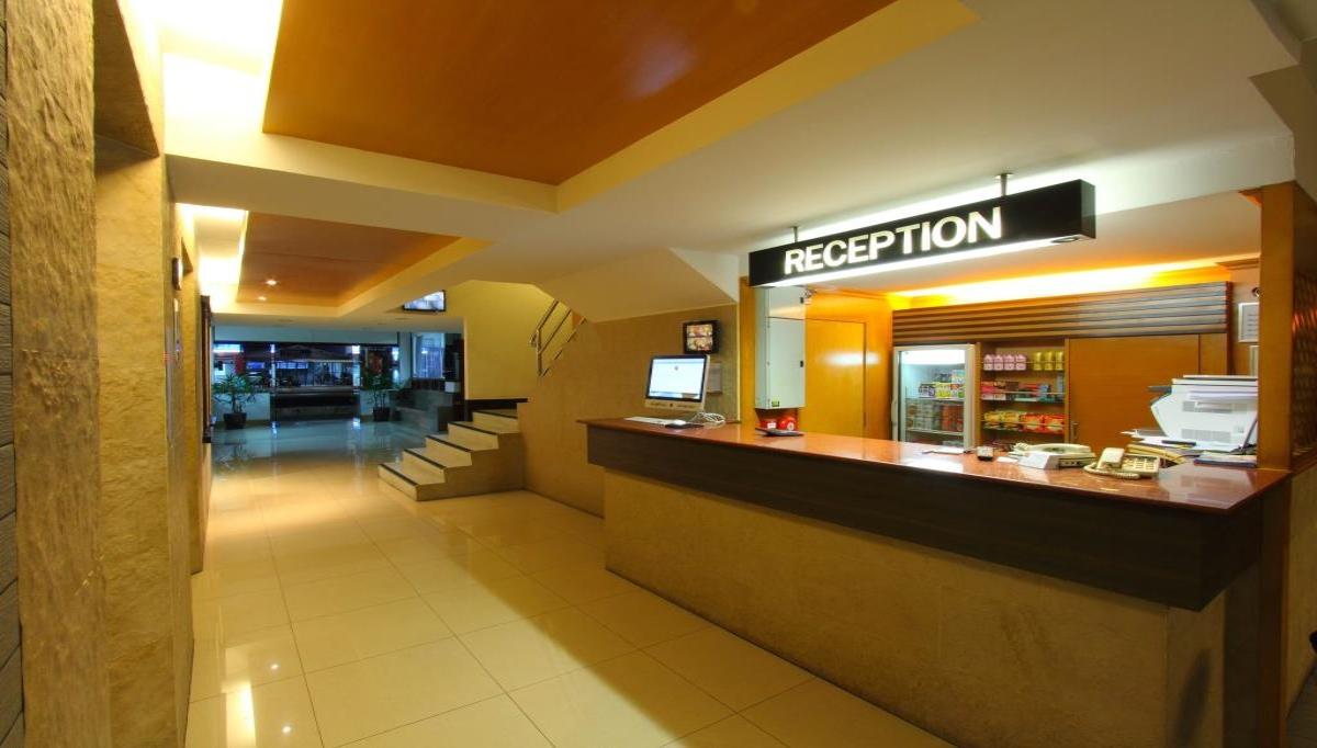 โรงแรม ไฮ ซีซั่น