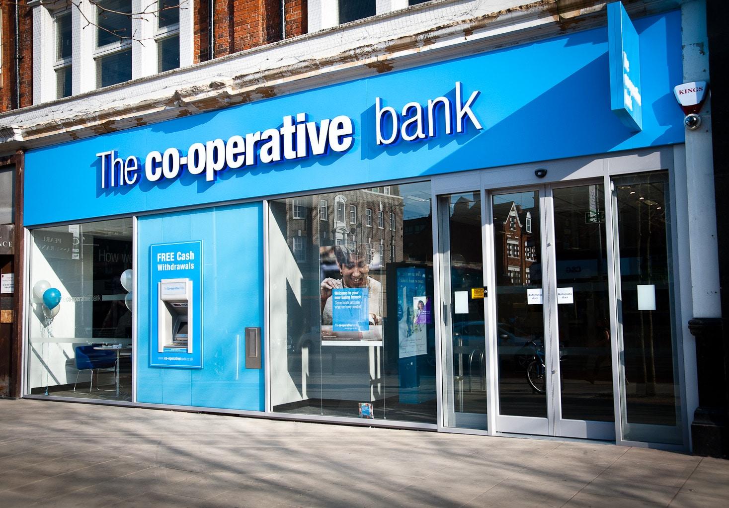 Thiết kế biển hiệu ngân hàng chuyên nghiệp