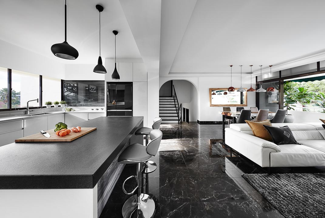 Are Black and White Homes making a Comeback?