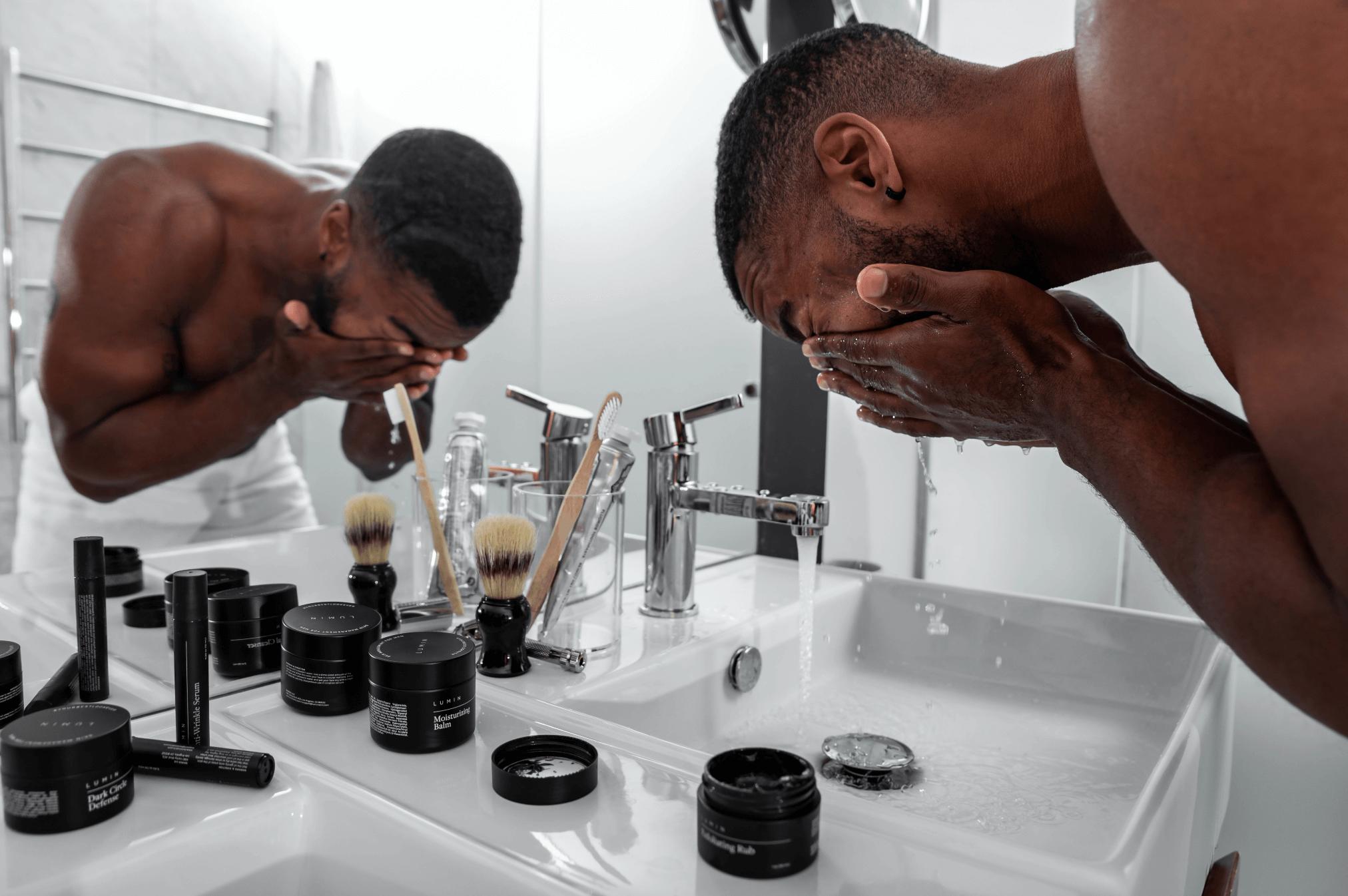 在日常的男性保養步驟中加入一些巧思,讓皮膚更光亮!