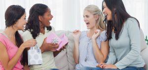 Kado Istimewa untuk Sahabat Perempuan