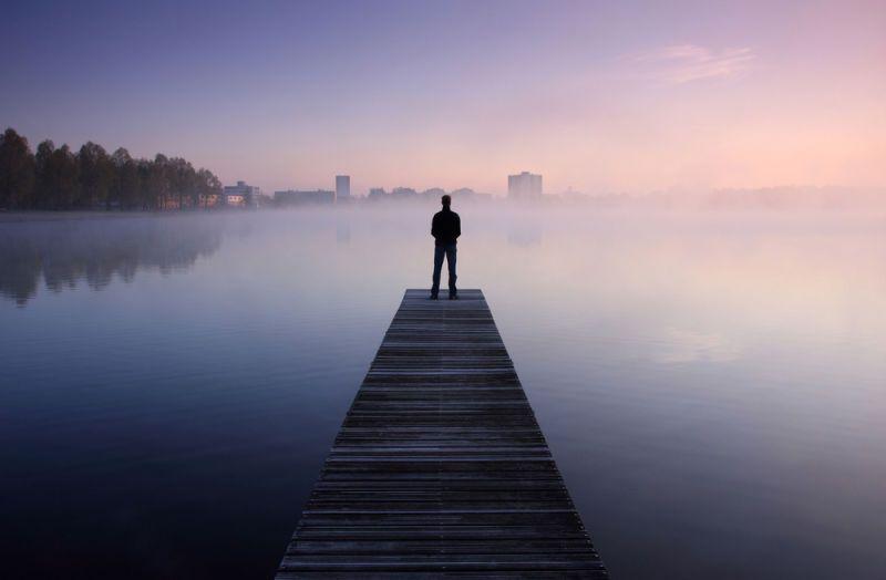 15 Cara Membuat Pria Merasa Kehilangan Sosok Unik Anda