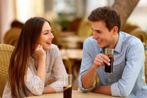 Tanda Pria Jatuh Cinta Pada Sahabatnya