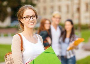 7 Cara Menjadi Wanita Idaman di Sekolah yang Mudah Dilakukan