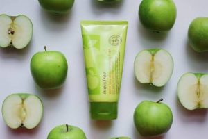 Manfaat Innisfree Apple Juicy Cleansing Foam