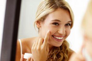 7 Cara Menetralkan Wajah dari Cream Dokter Tanpa Repot