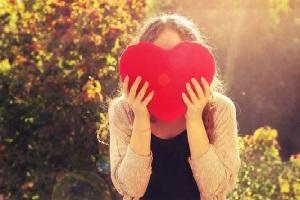 10 Fakta Unik Tentang Wanita Jatuh Cinta pada Pria