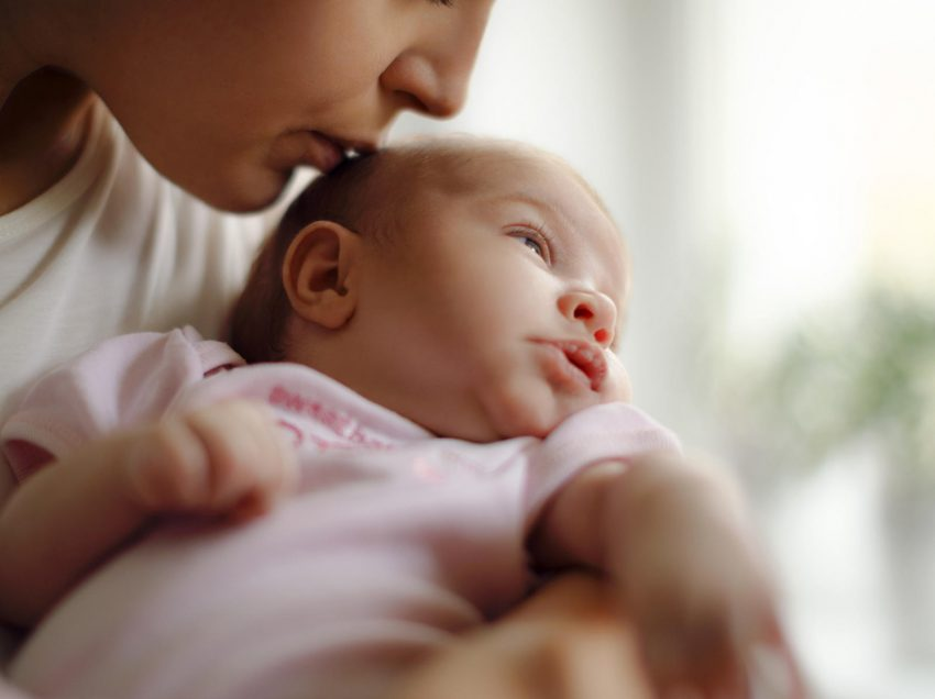 Mom Yuk Simak 9 Cara Mengatasi Anak Bayi Pilek dan Ingusan