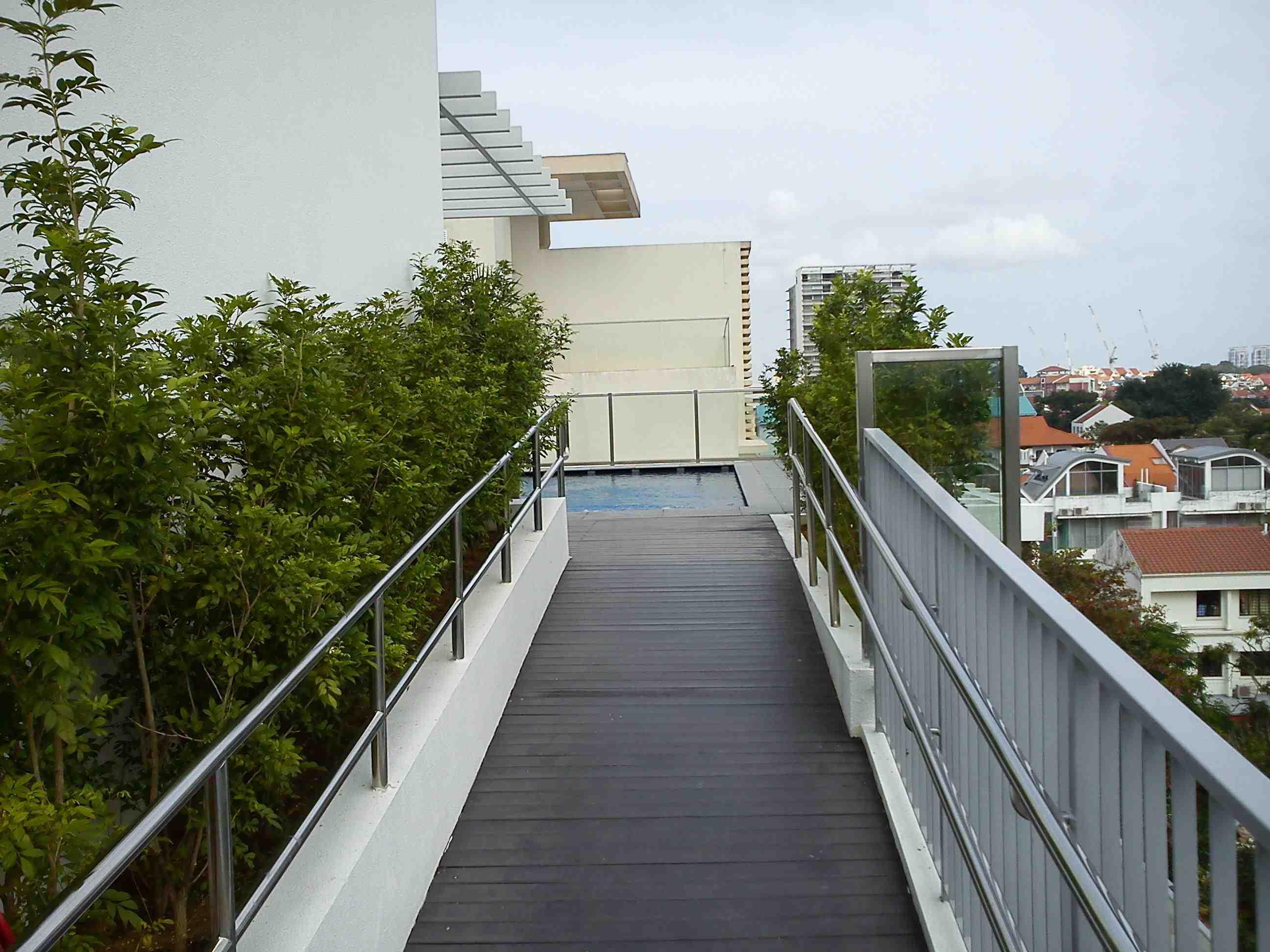 Planter   balcony
