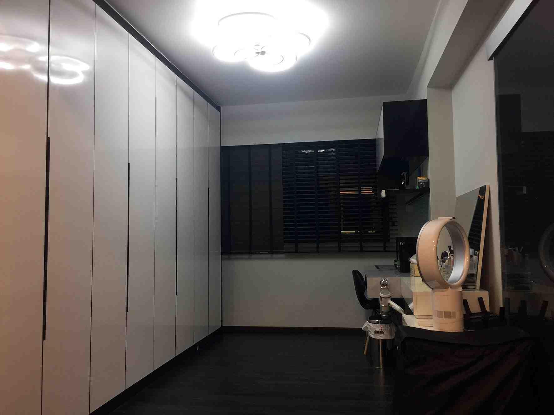 004 walk in wardrobe bedroom 1