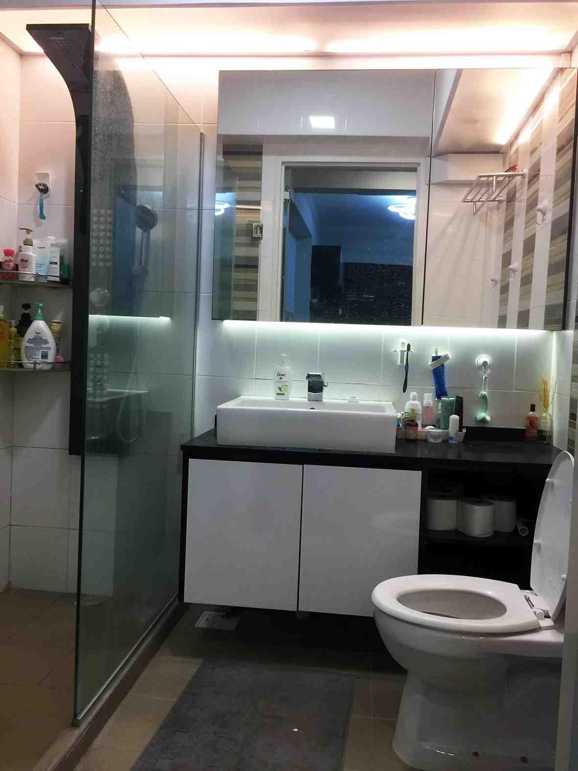 005 master bathroom 1