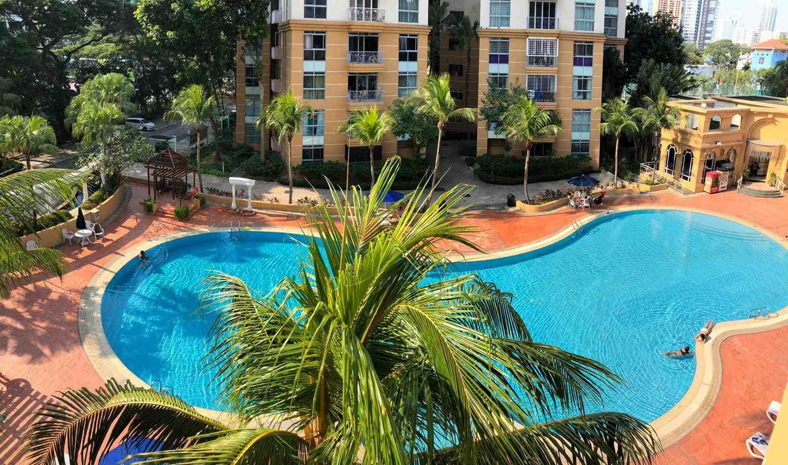 Swimmingpoolview