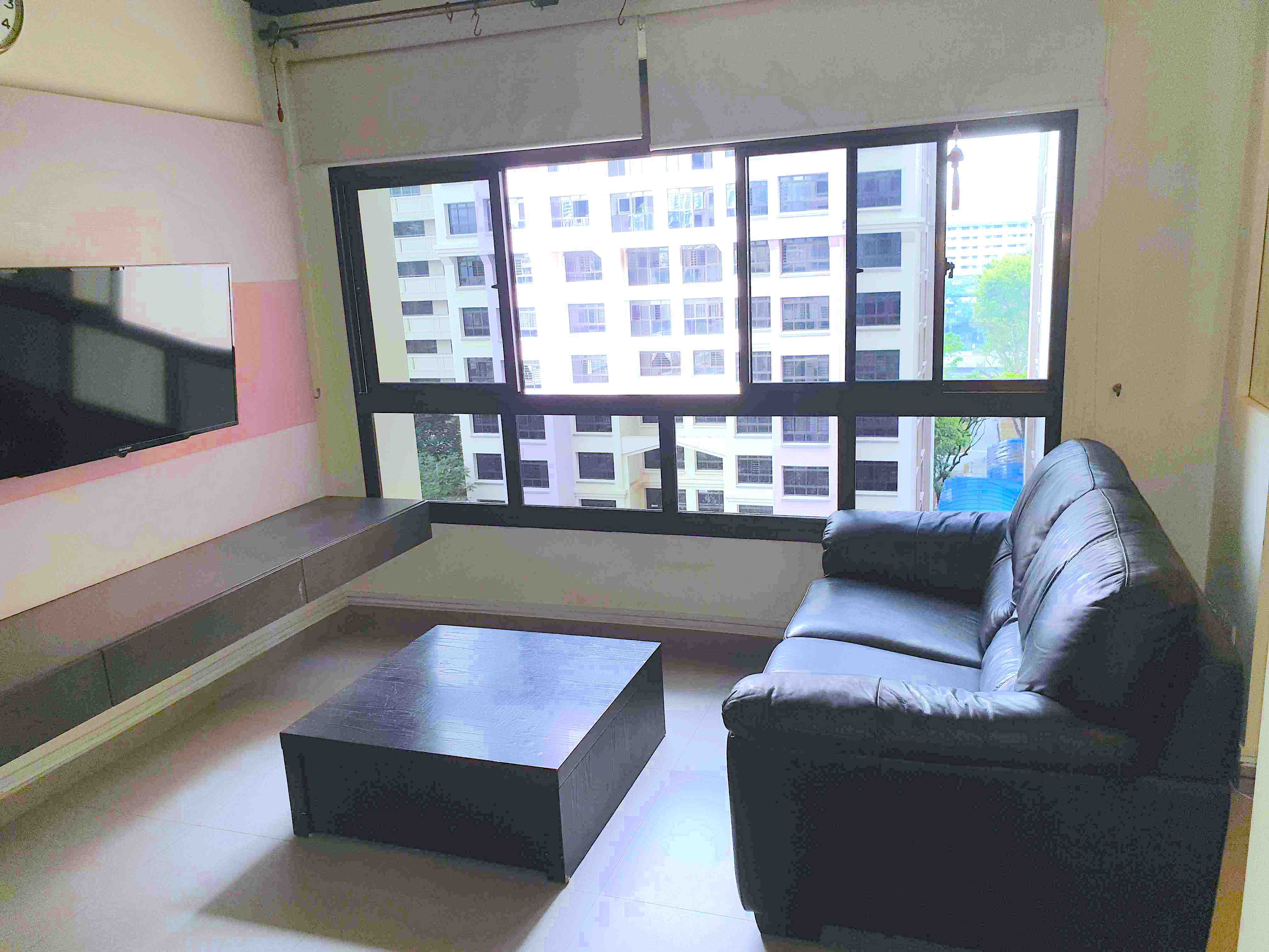 Livingroom1  8