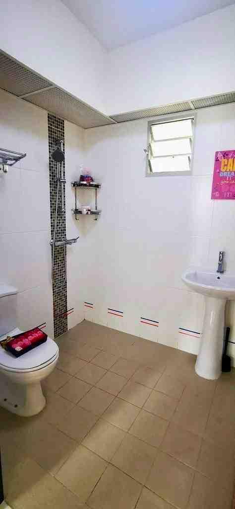 523 tampines toilet  2