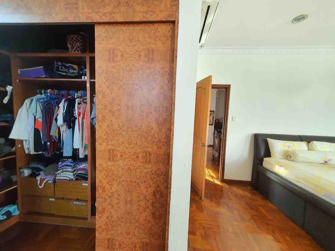 2nd floor master bedroom wardrobe
