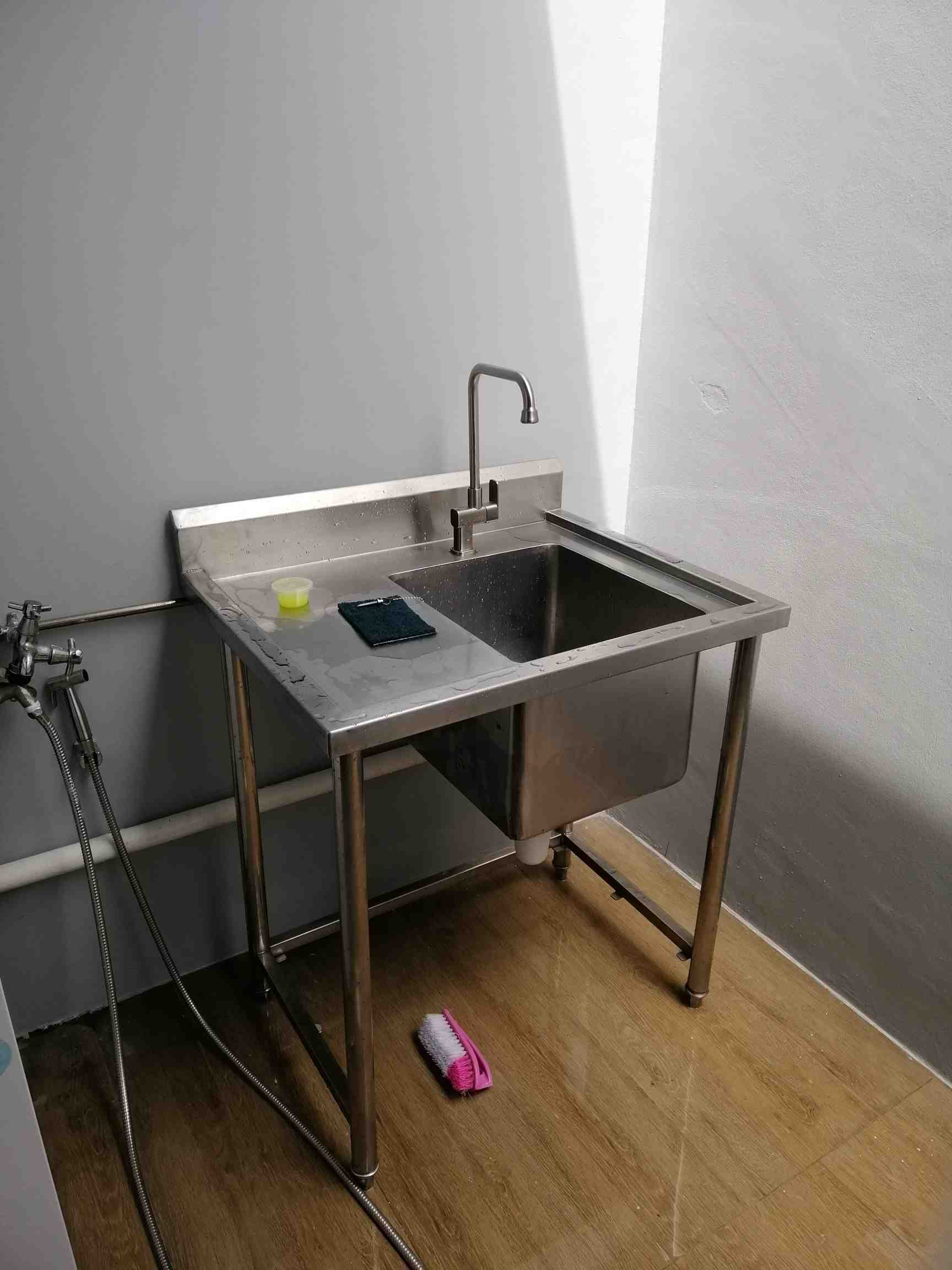 Roof terrace   stainless steel sink