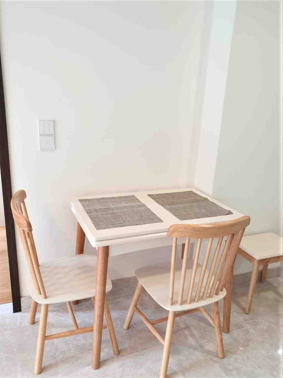 Ppr dining table
