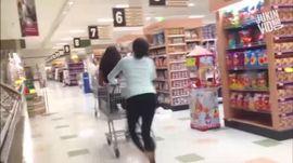 Cho em một vé tuổi thơ trong siêu thị
