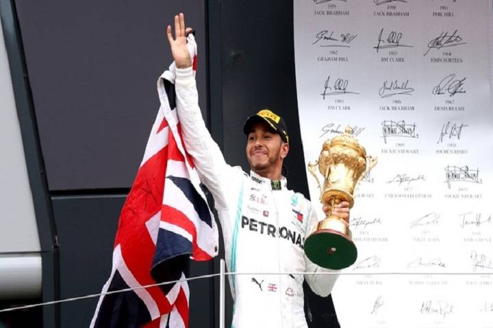 lewis hamilton wins f1 british