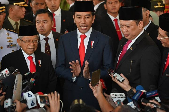 indonesia's president sworn for