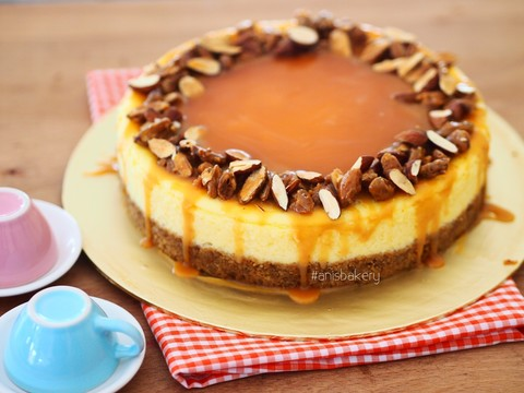 almond caramel cheesecake.JPG