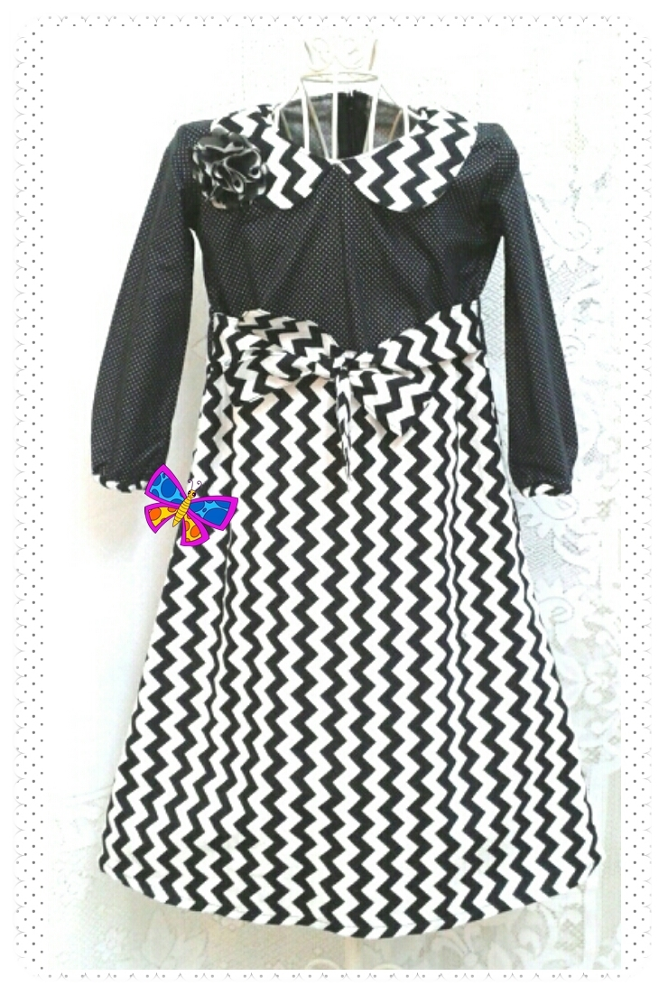 Jubah Kolar Kanak-kanak English Cotton Black White ZigZag & Pin Polkadot.jpg