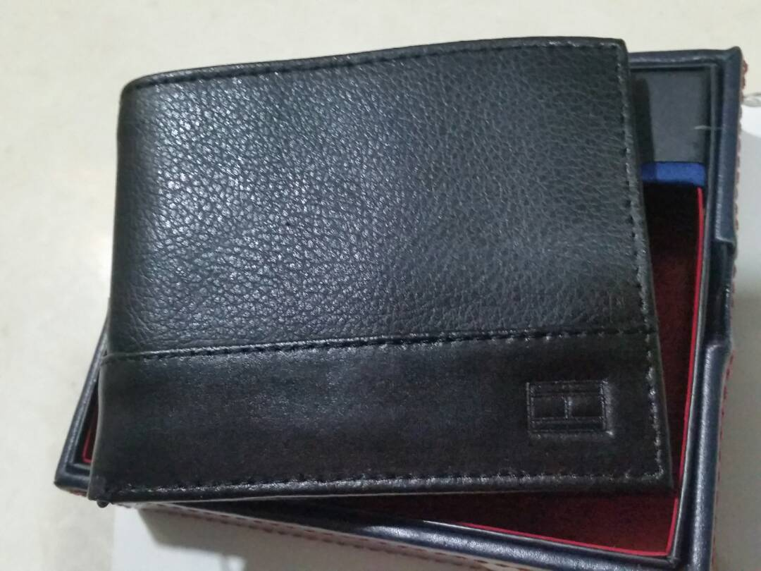 TH billfold 30008.jpg