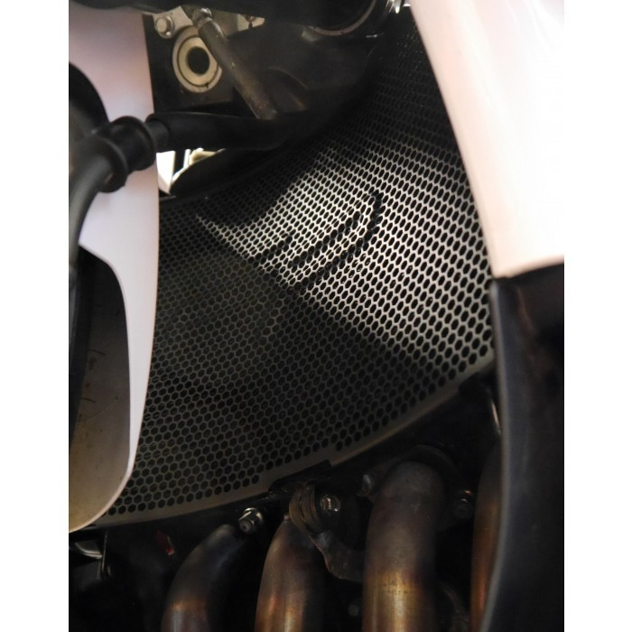 yamaha-r6-radiator-guard-2.jpg
