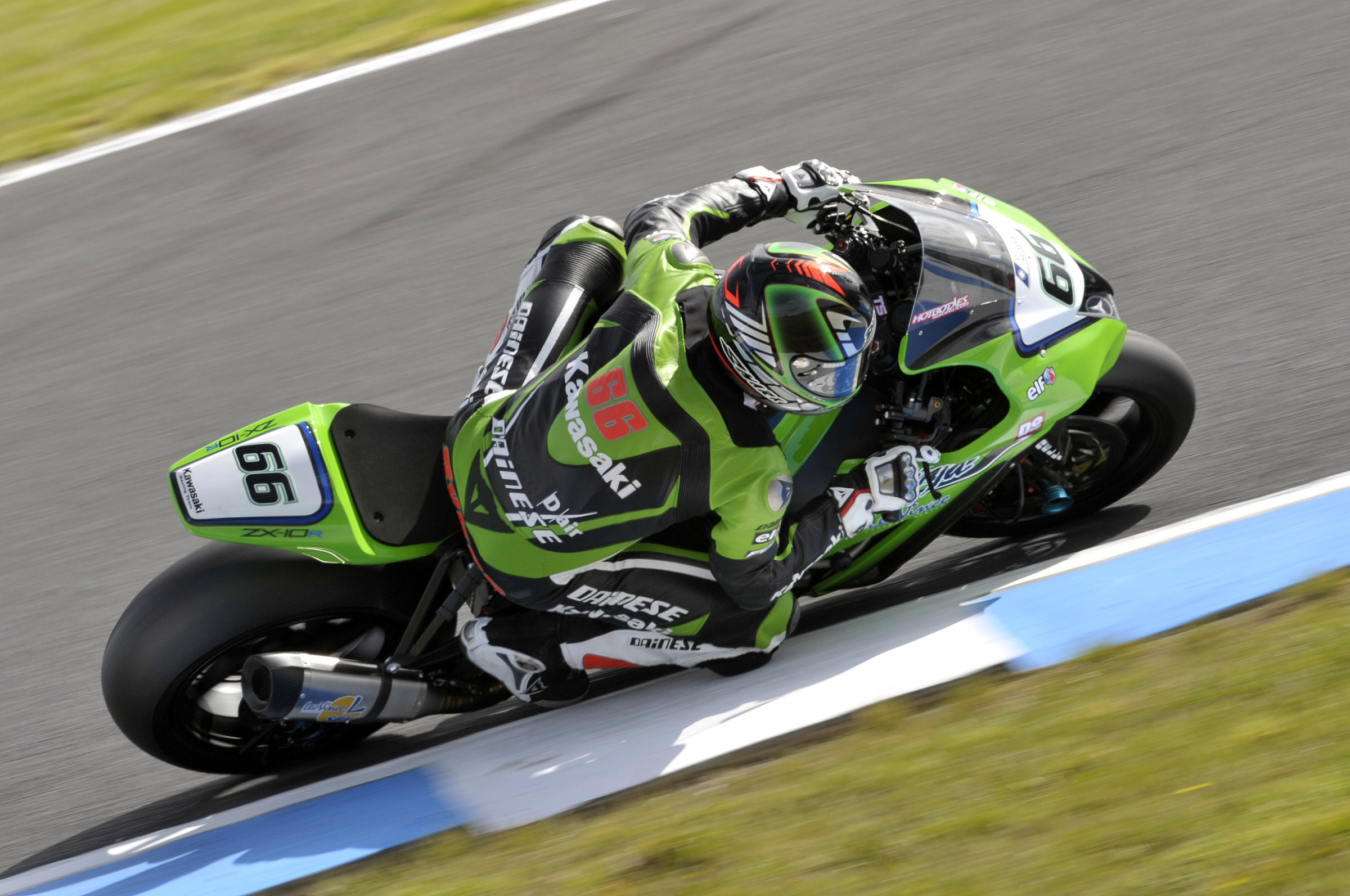 0375_p01_sykes_action.jpg