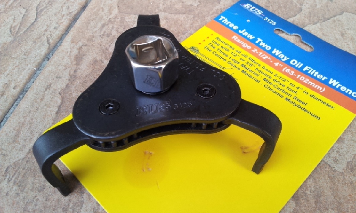 how to use 3 jaw oil filter wrench