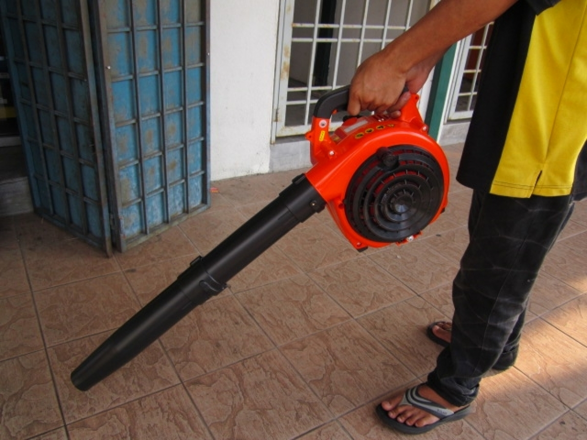 Kasei 26cc portable gasoline leaf blower vacuum my for Portable dust collector motor blower