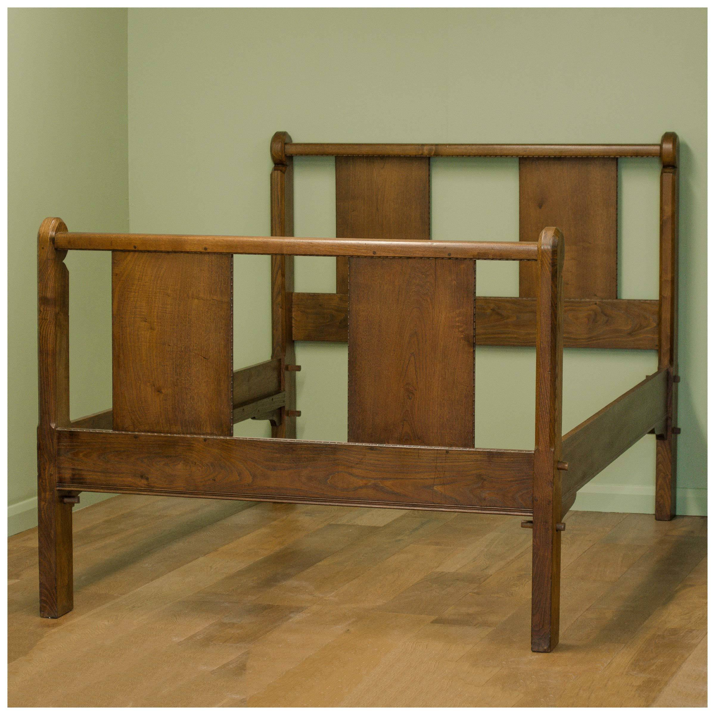 arts-crafts-walnut-double-bed-attributed-to-ernest-william-gimson-b0020101a.jpg