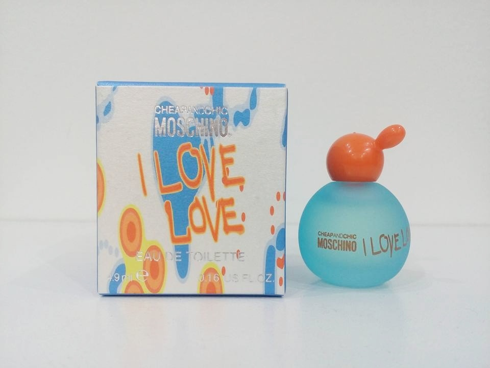 Moschino Cheap & Chic I Love Love Women EDT 4.9ml dab on.jpg