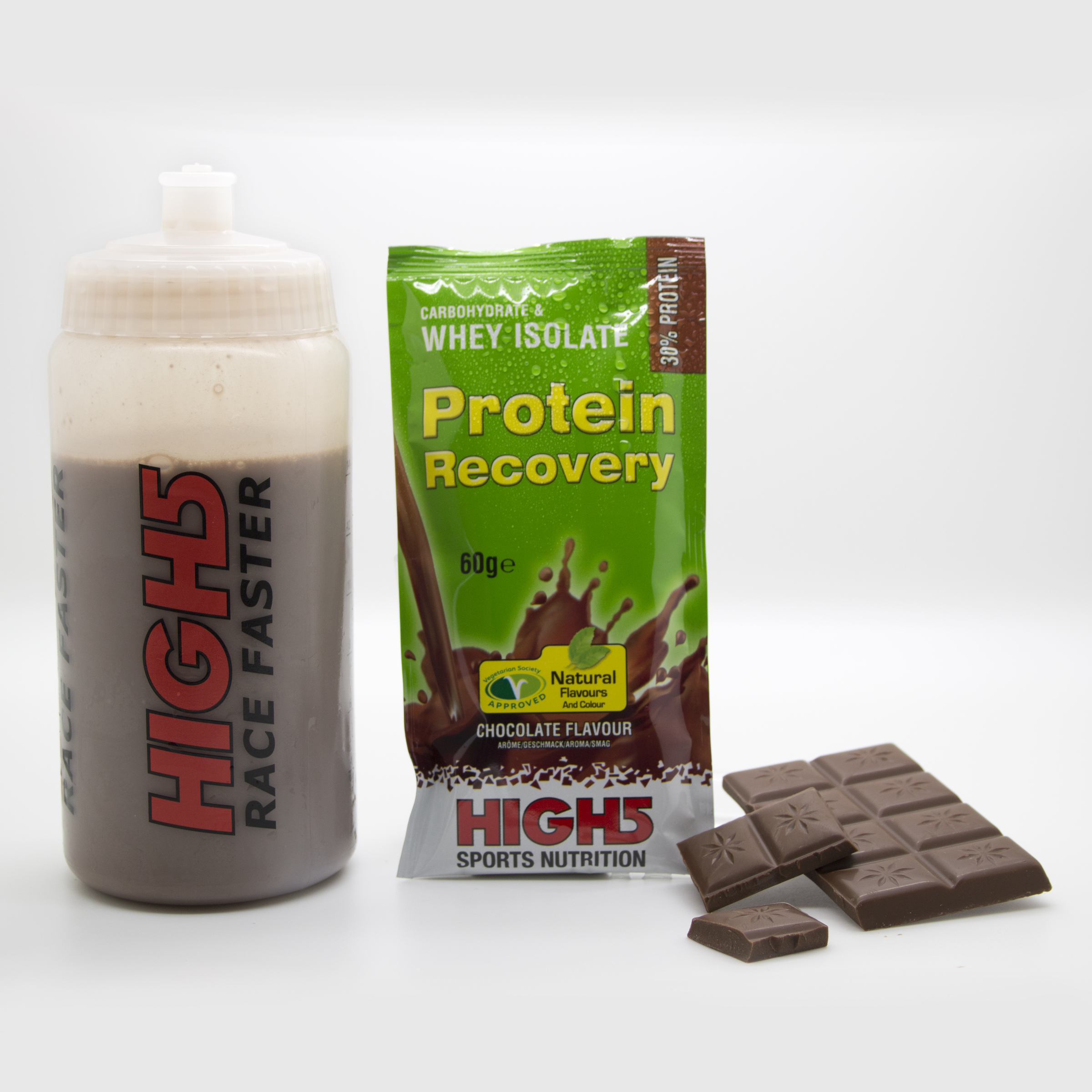 protein_recovery_sachet_chocolate_bottle_wet.jpg