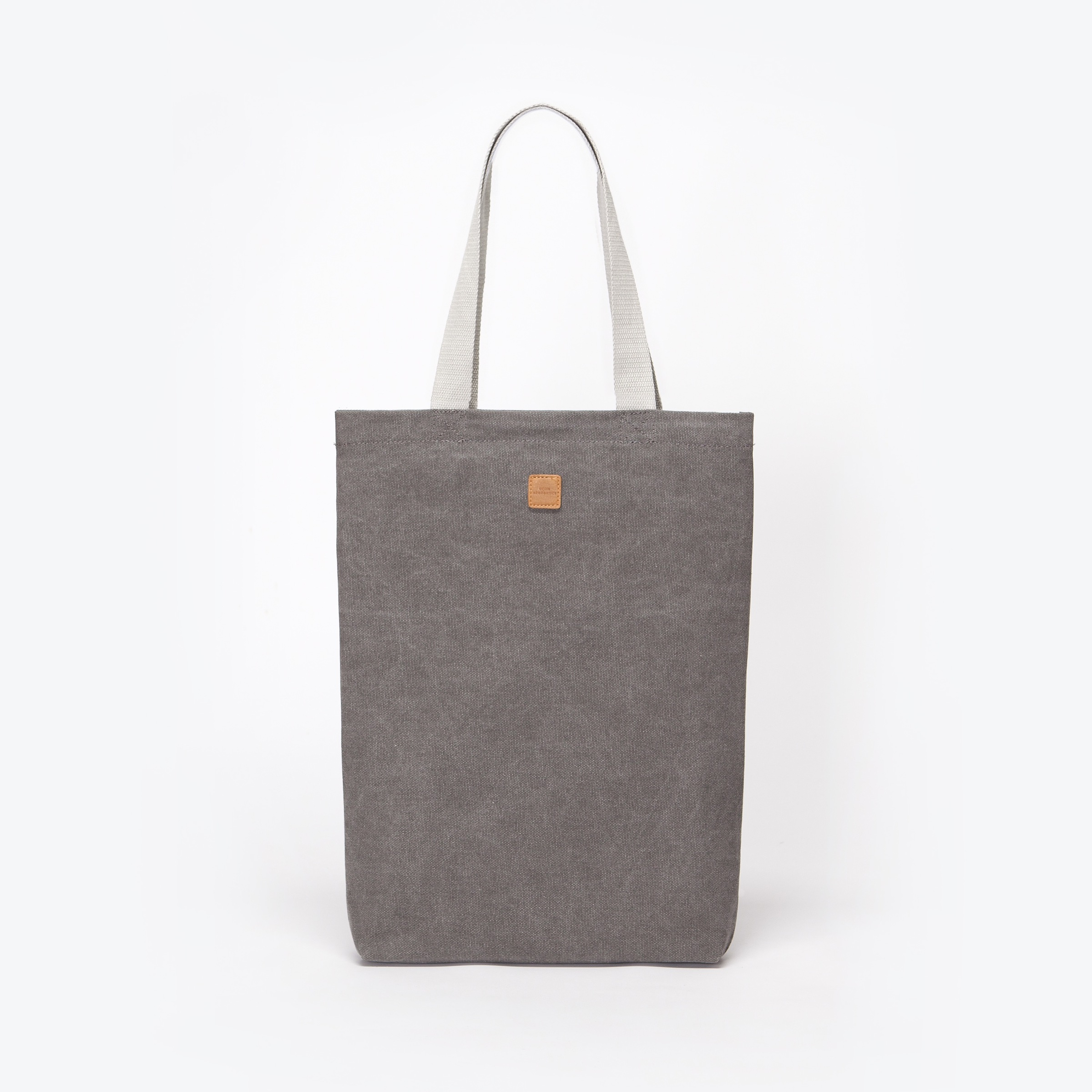 UA-TB-01_Finn-Bag_Grey_01.jpg