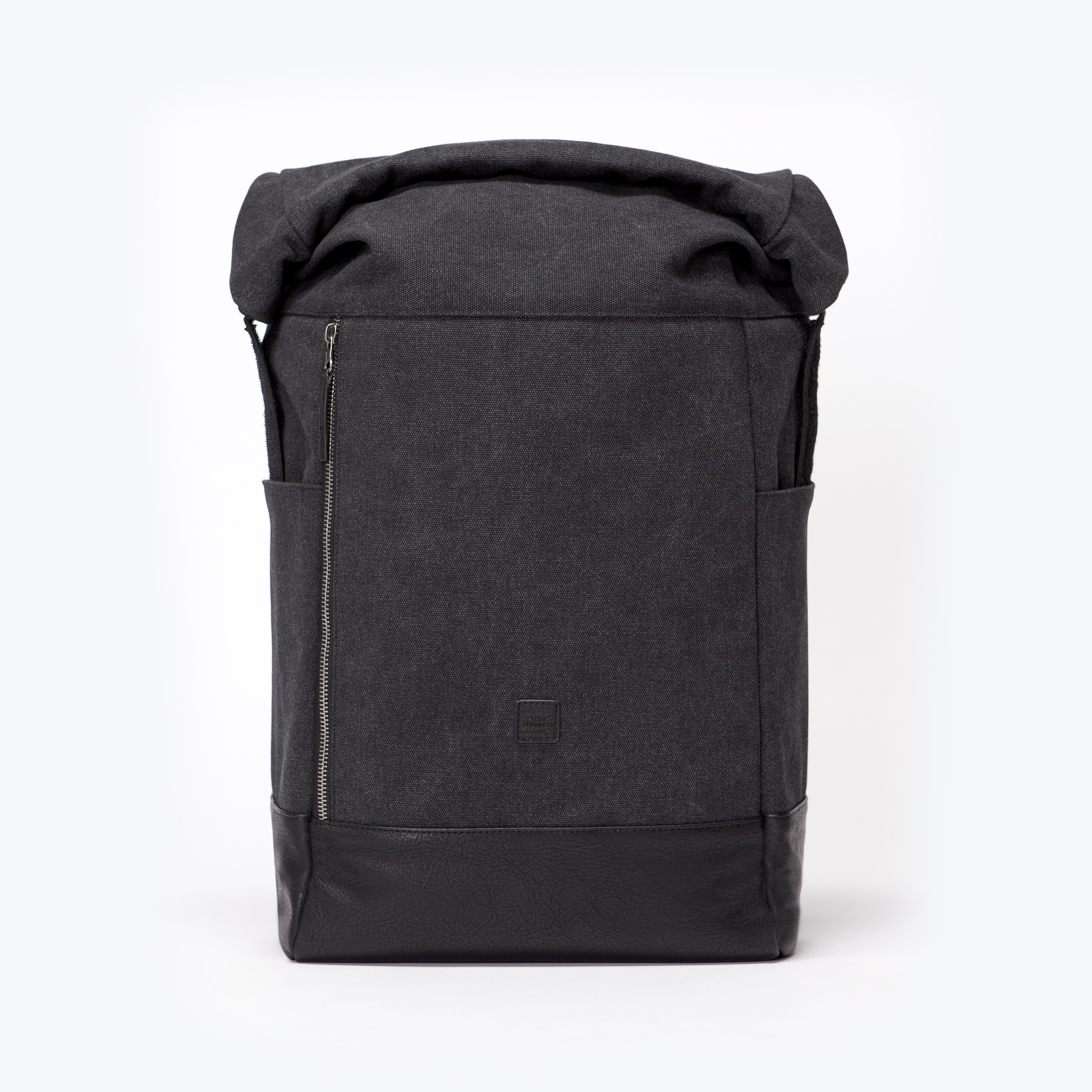 UA-BP-12_Garmond-Backpack_Black_04.jpg