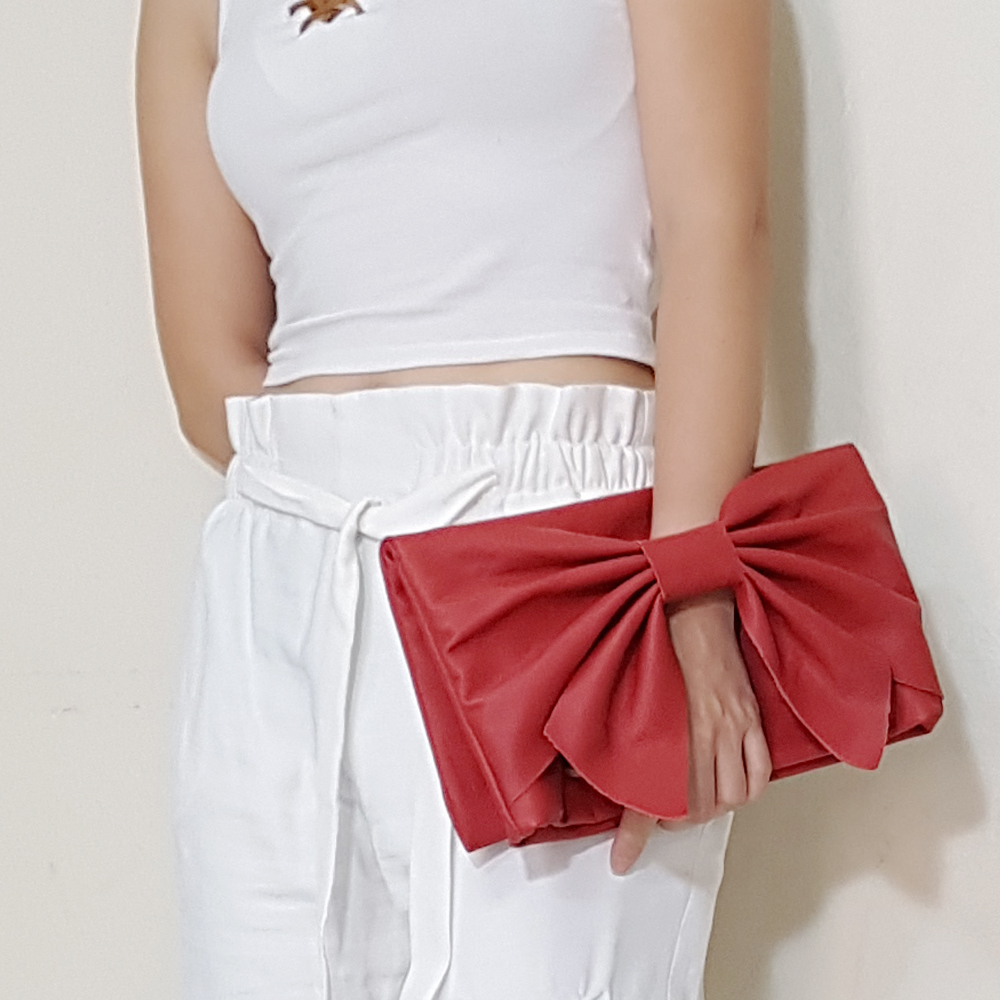 Leather Bow clutch in Red B.jpg